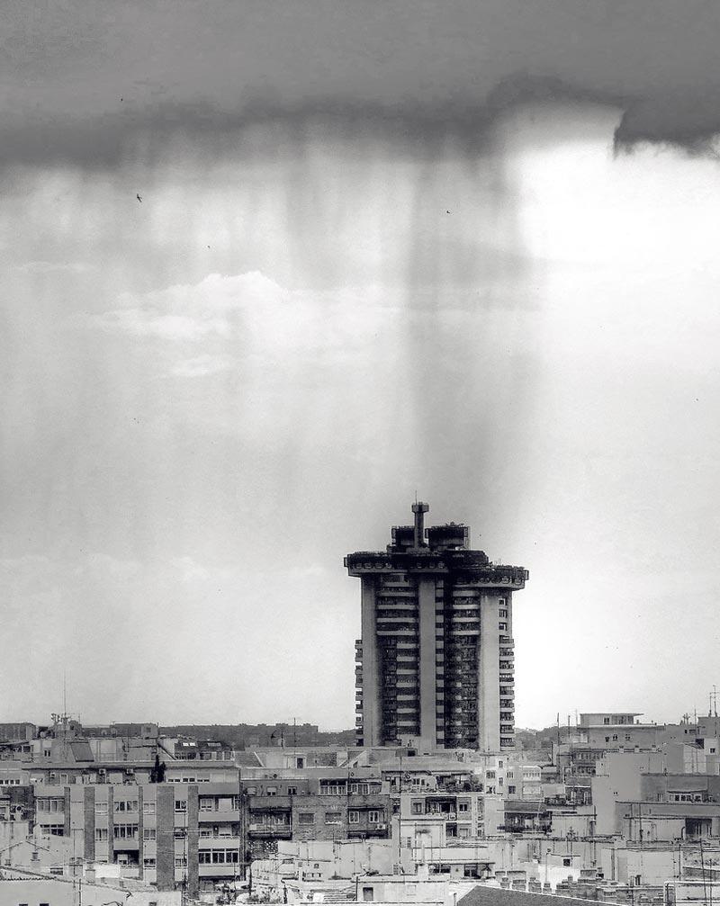 torres-blancas-icono-de-la-arquitectura-madrilena-10
