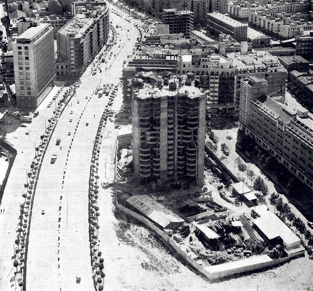 torres-blancas-icono-de-la-arquitectura-madrilena-11