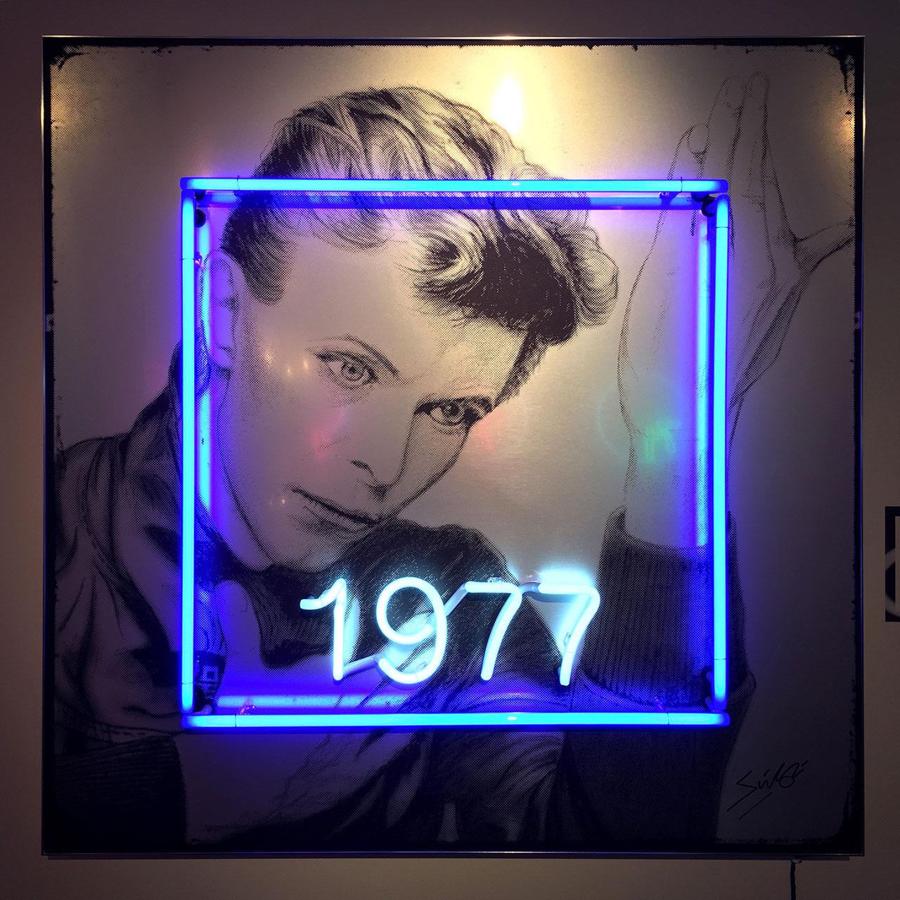 homenaje-david-bowie-neon-05