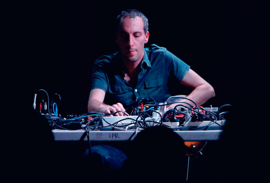 ricardo-villalobos-remezcla-album-oren-ambarchi-01