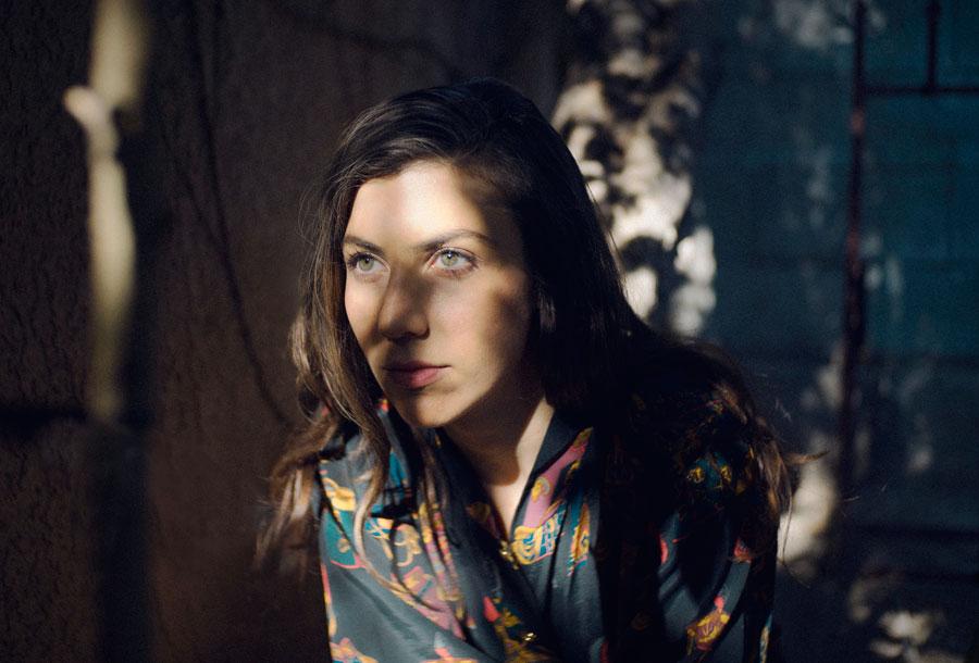 Julia Holter lanzará nuevo álbum en marzo