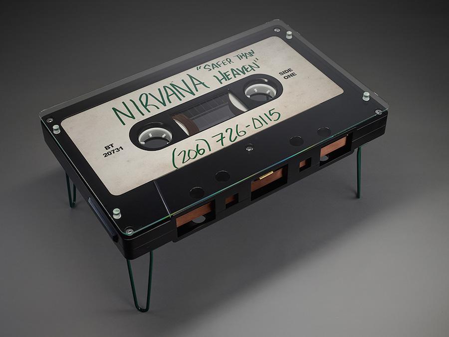 desayunando-en-una-cinta-de-cassette-04