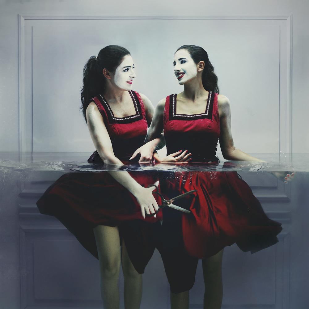surrealismo-acuatico-lara-zankoul-02