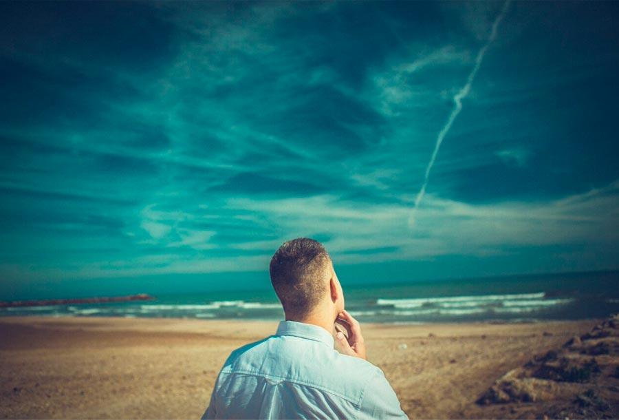 Escucha <em>Someone in the Sky</em> de AFFKT feat. Sutja Gutierrez