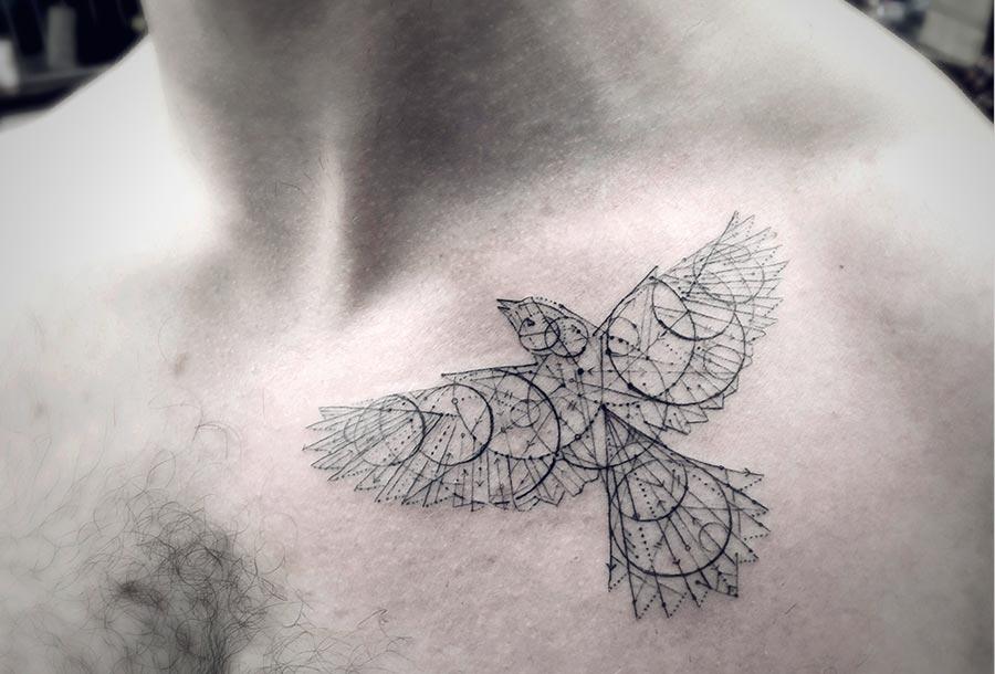 tatuajes geométicos del Dr. Woo