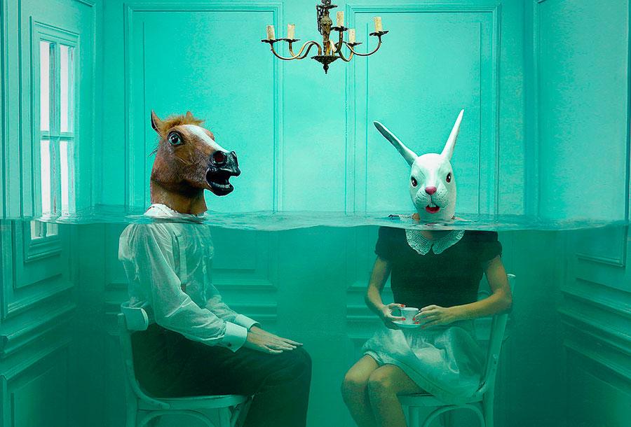 El surrealismo acuático de Lara Zankoul