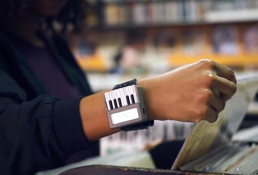 Synthwatch, el primer reloj con sintetizador incorporado